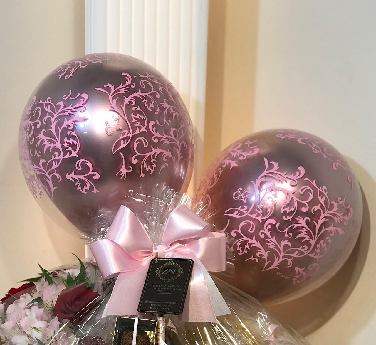 balão rosa interno e arabescos rosa
